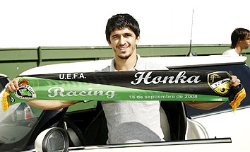 Jonathan Pereira was so excited to play against his boyhood idols, he made a special scarf to commemorate the occasion